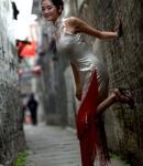 扬州美女古巷秀旗袍